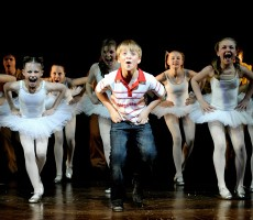 billy-elliot-the-musical-performance